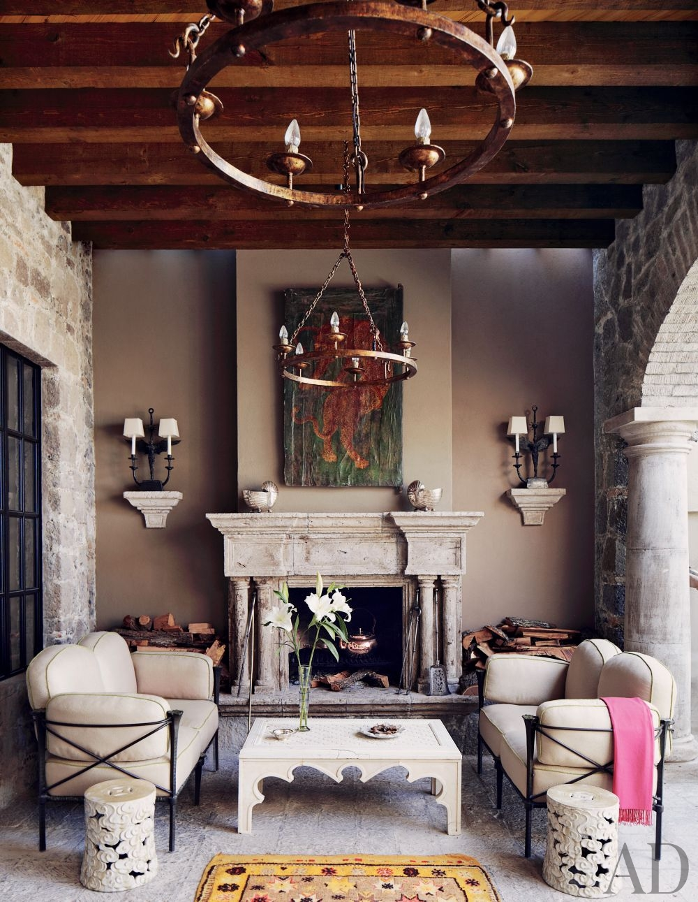 Books by the fire for Artful decoration interiors by fisher weisman